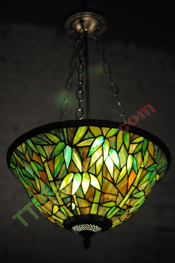 Brand New Exquisite Gorgeous Tiffany Style Lamp Is A Unique Handcrafted Work Of Art Nouveau Variation In The Gl Using Genuine Hand Rolled Stained