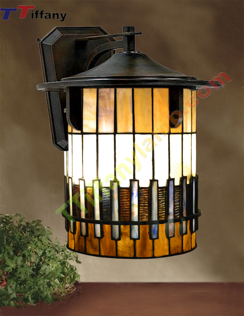 tiffany-autumn-ridge-outdoor-small-wall-lantern-w00901 - tiffany
